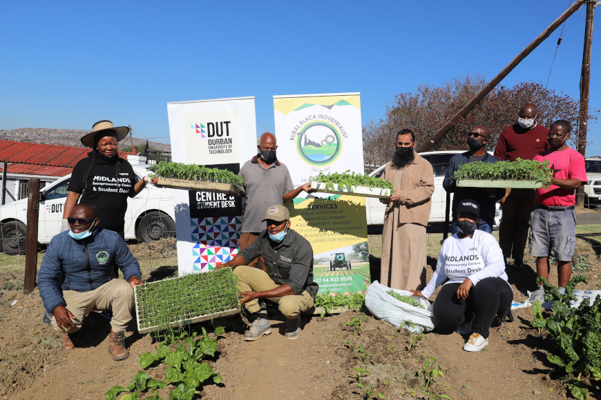 DUT MIDLANDS ENTREPRENEURSHIP CENTRE AND STUDENT DESK INITIATES ONE HOME ONE GARDEN PROJECT FOR DUT'S NEIGHBOURING COMMUNITY