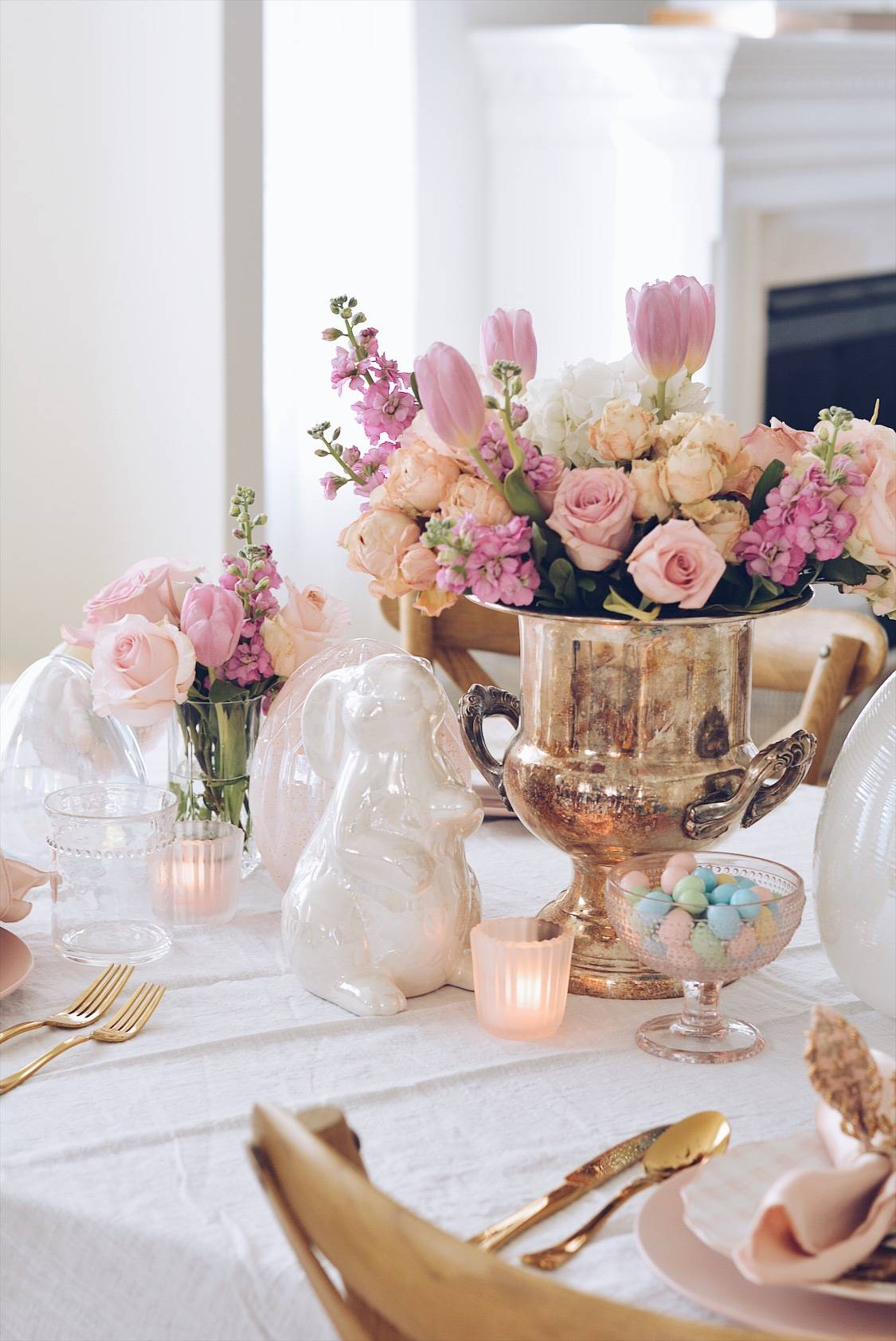 Easter decor, table set up, pink flowers decor for easter, beautiful decor