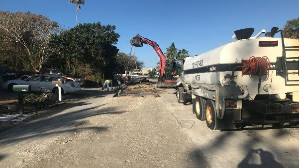 Sewer replacement work continues near intersection with Poinsettia Avenue – looking west.