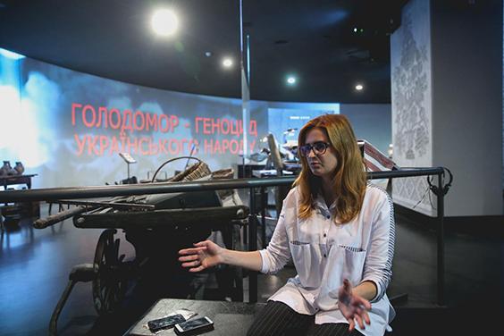 https://www.unian.ua/society/kuratorka-proektu-pro-golodomor-larisa-artemenko-golodomoru-v-ukrajini-pereduvali-tisyachi-povstan-ruh-oporu-ta-borotba-za-nezalezhnist-buli-vbiti-same-golodom-novini-ukrajini-11214293.html