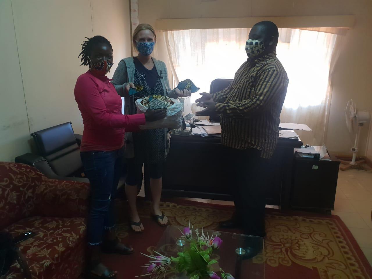Maskers voor de verpleegkundigen in Niassa