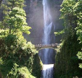 Waterfall Bridge at Multnomah Falls Oregon by imarketem via Pixabay