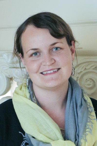 Sarita Herman headshot