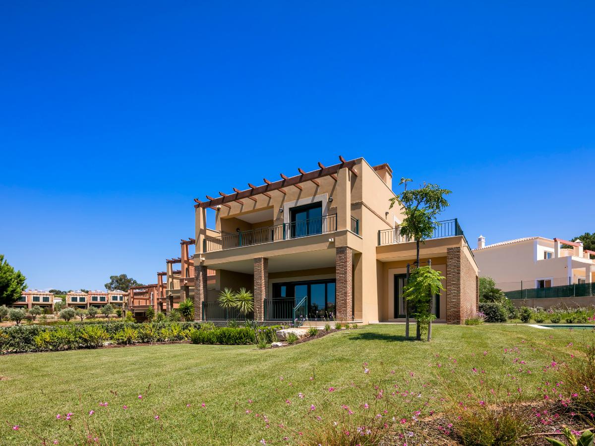 Algarve - Townhouses For Sale - Pool