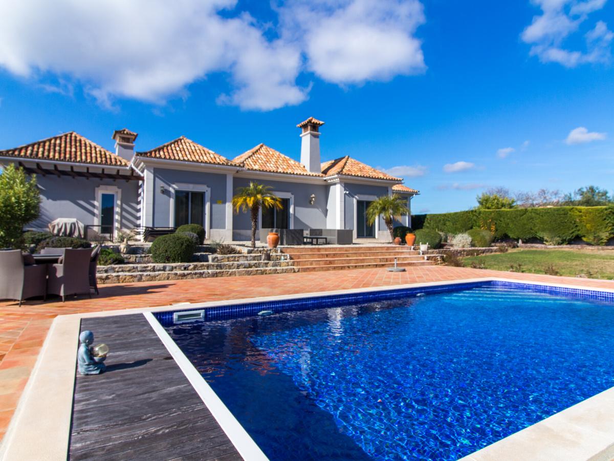 Luxury - Pool - Villa - For Sale - Portugal