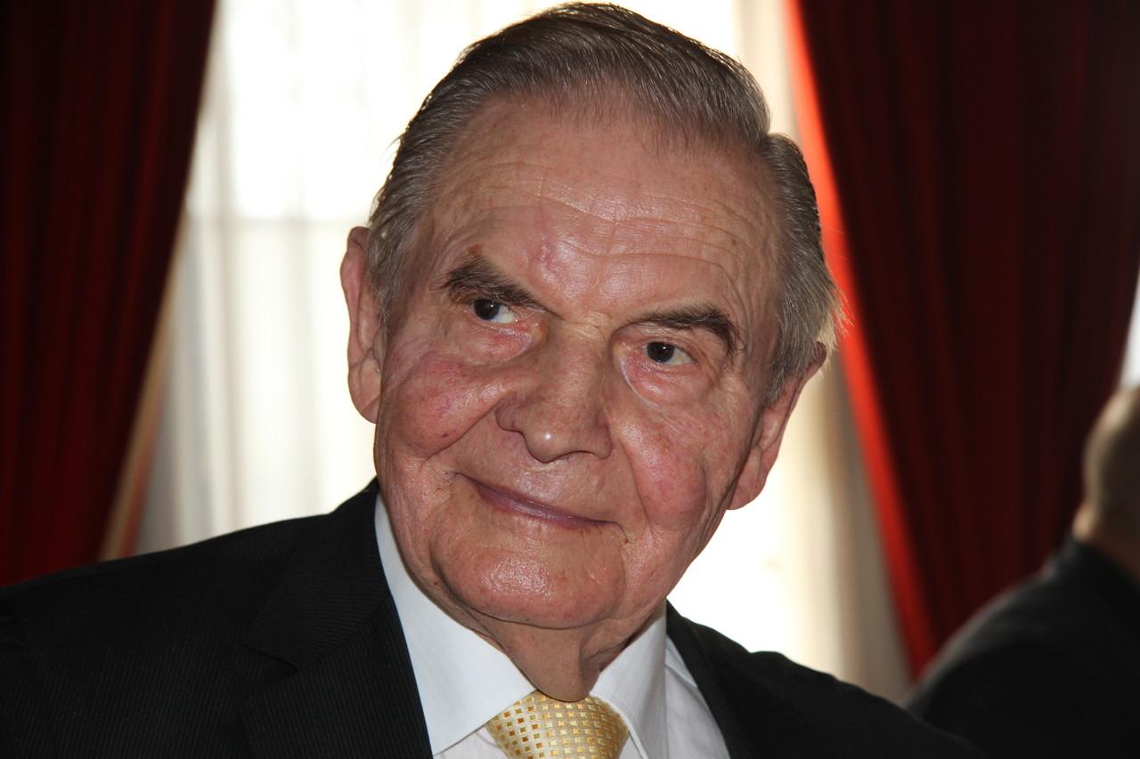 Dr. Reinhard A Ulbrich