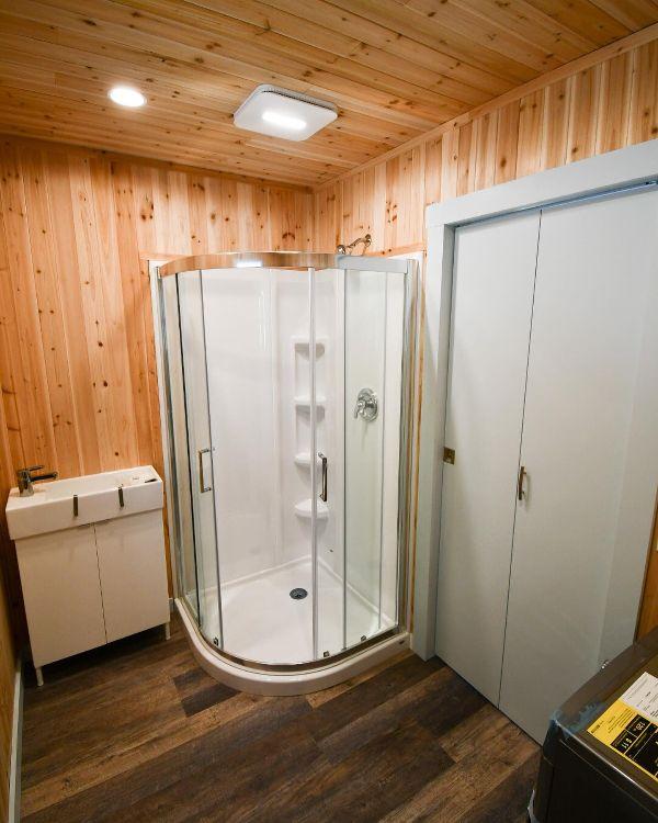 BLB corner shower
