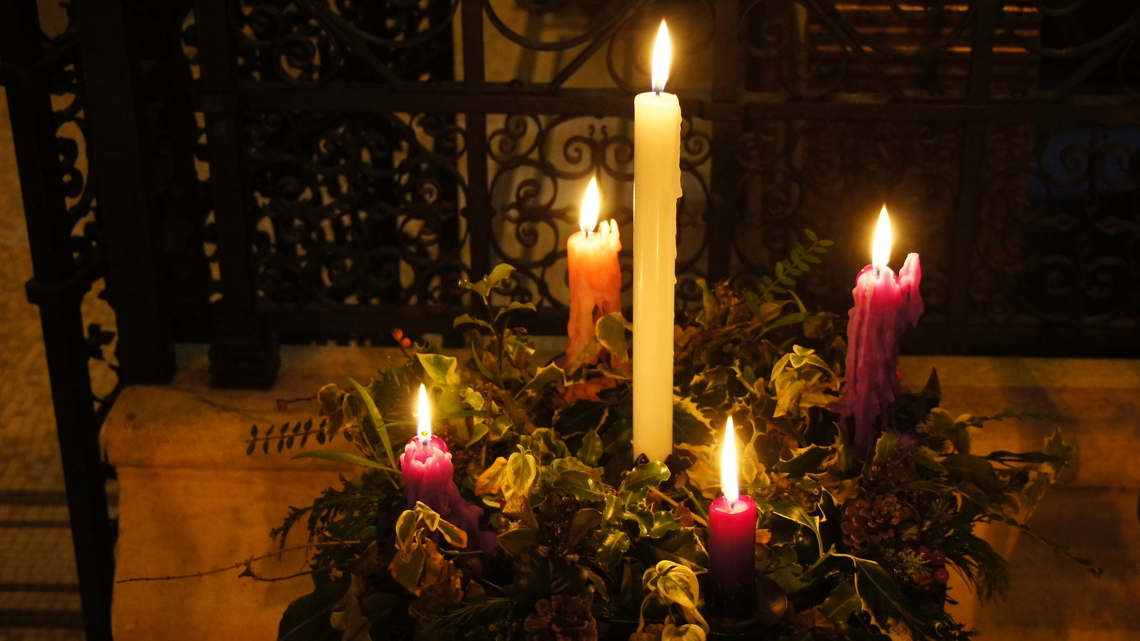 Advent wreath; credit: Alwyn Ladell