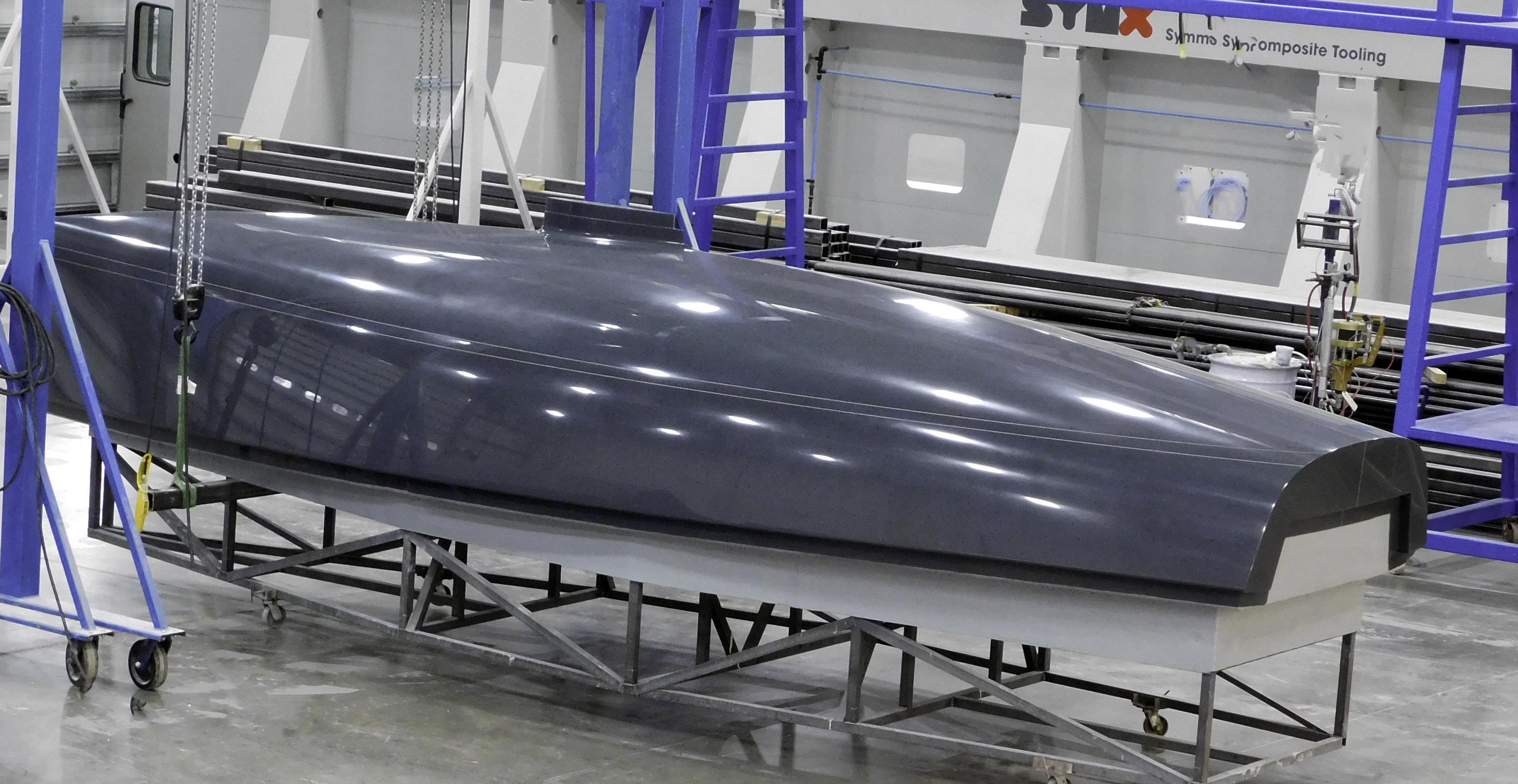 J/9 master hull plug