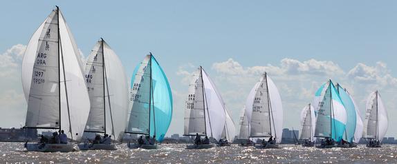 J/70s sailing in Argentina