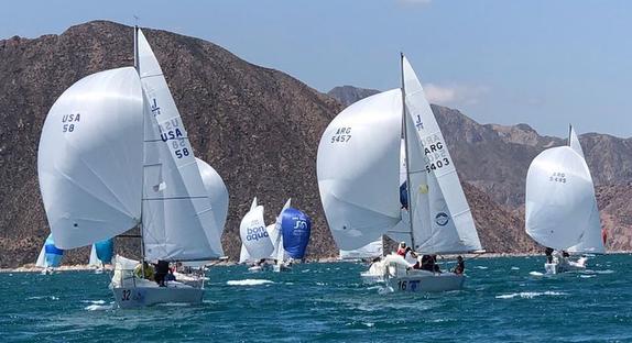 J/24s sailing in Mendoza, Argentina