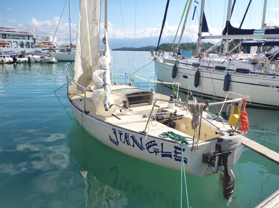 J/24 sailing Greece