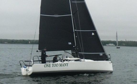 J/88 sailing offshore