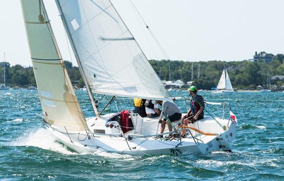 J/80 sailing Jamestown Round Island Race.