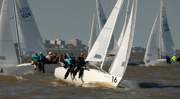 J/22s sailing upwind off New Orleans, LA