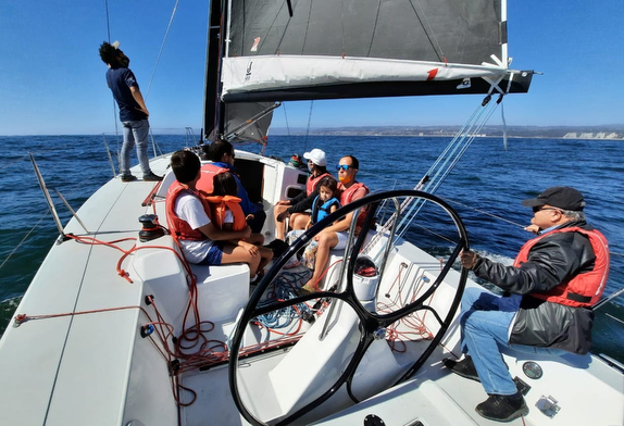 J/99 family sailing off Chile