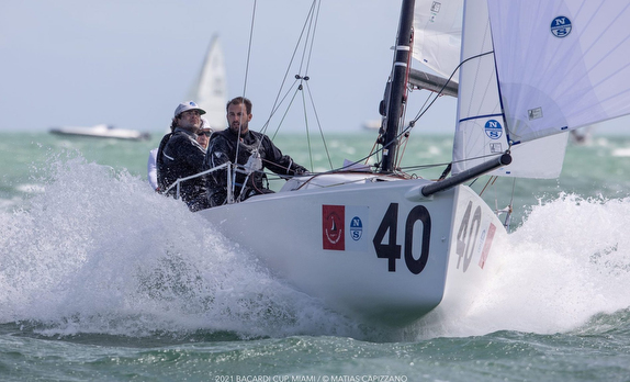J/70s sailing fast on Biscayne Bay