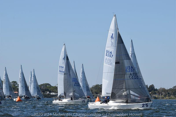 J/24s sailing Midwinters
