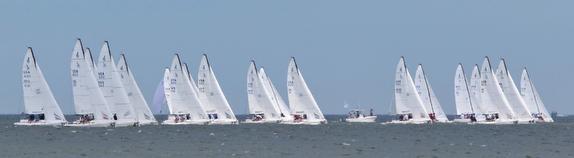 J/70 sailboats starting