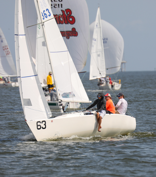 J/22 sailing upwind off Houston, Texas