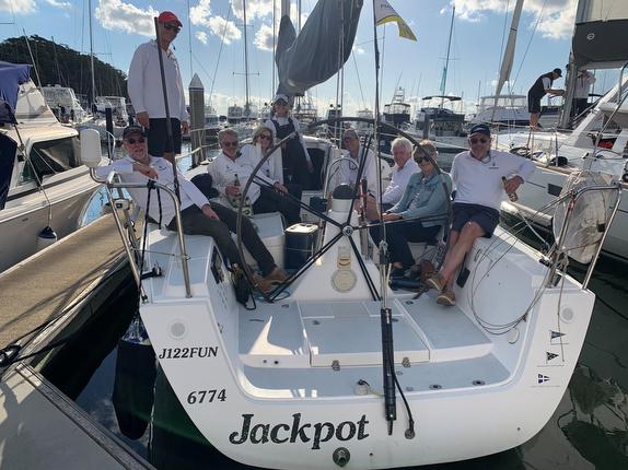 J/122 Jackpot team