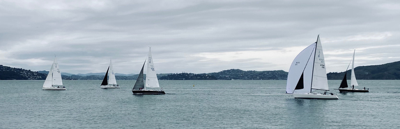 J/105s sailing Pi Race