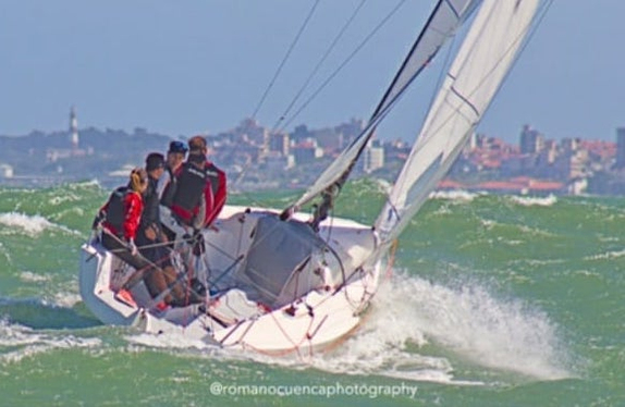 J/70 sailing Argentina