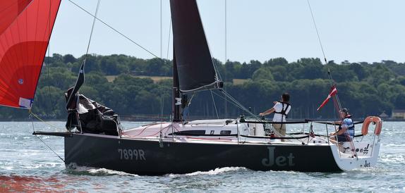 J/99 JET sailing Solent doublehanded race
