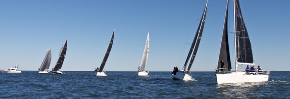 J/109s Long Island Sound starting line