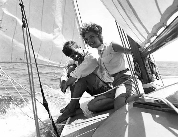 John F Kennedy and Jackie Kennedy sailing offshore