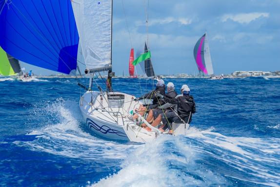 Aweome J/70 IGY Marinas sailing video