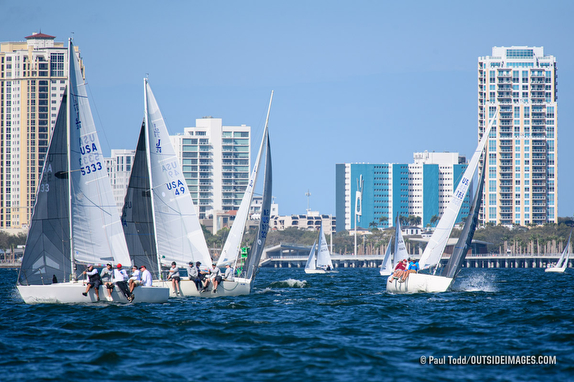 J/24s sailing on Tampa Bay