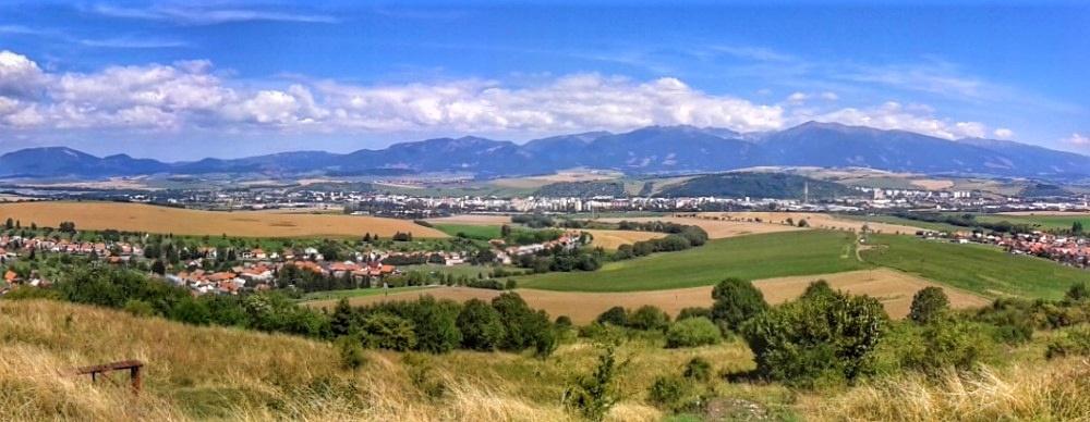 Vyhliadka z Rohačky nad mestskými časťami Iľanovo aPloštín