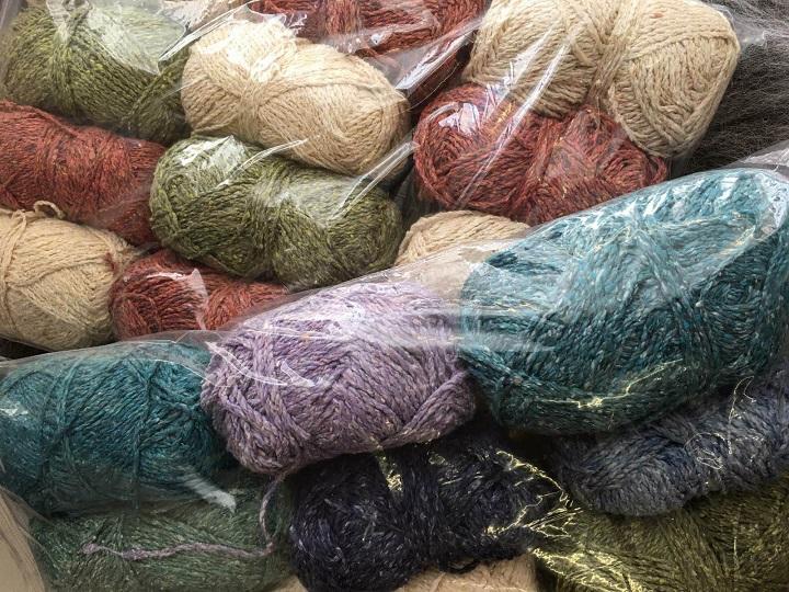 Scrappy bags of Silk/Cotton Tweed yarn