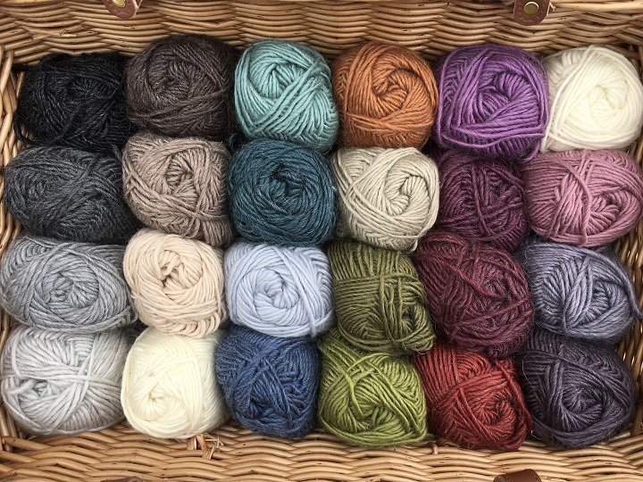 Roving-Merino-wool-Mohair-assorted-colours