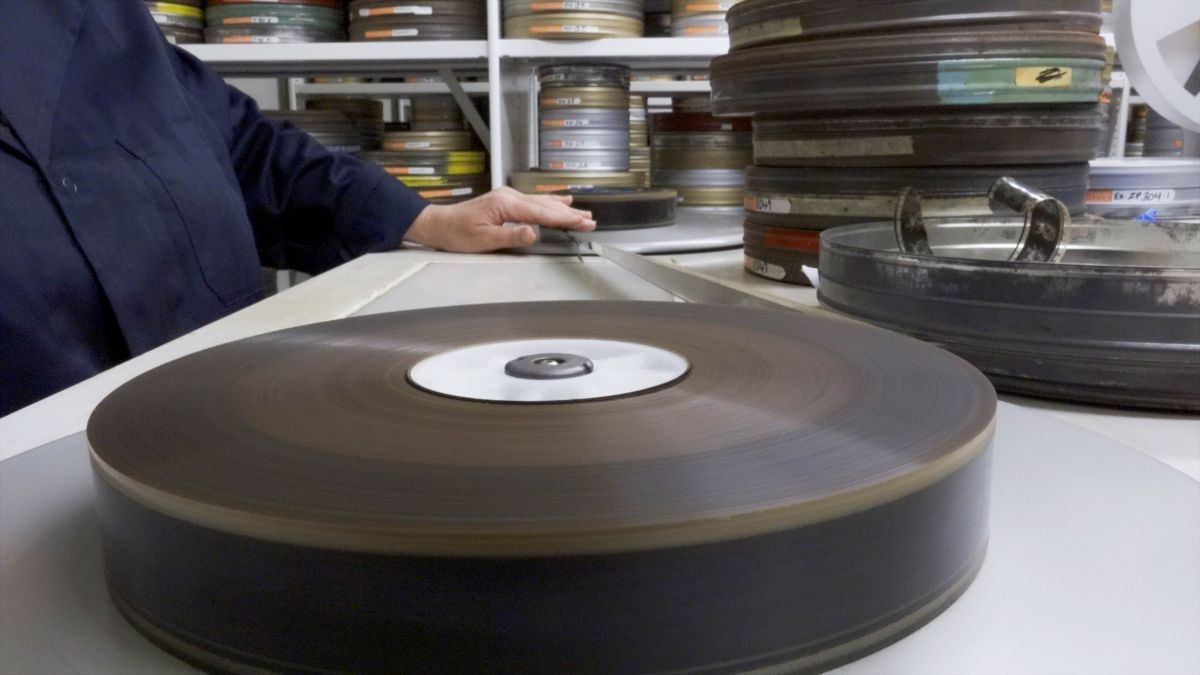 Winding nitrate film