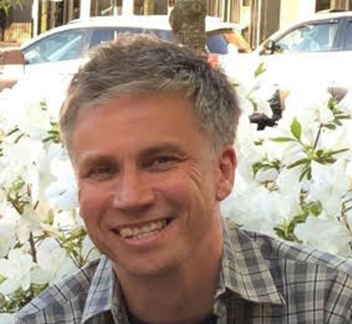Headshot of Andrew Yates
