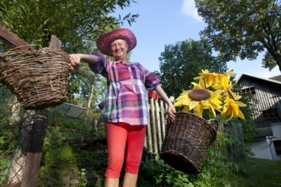 Gardening During Radiation Therapy by gardeningknowhow.com