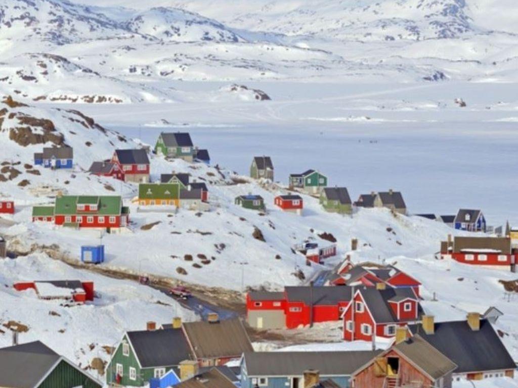 Greenlandic village