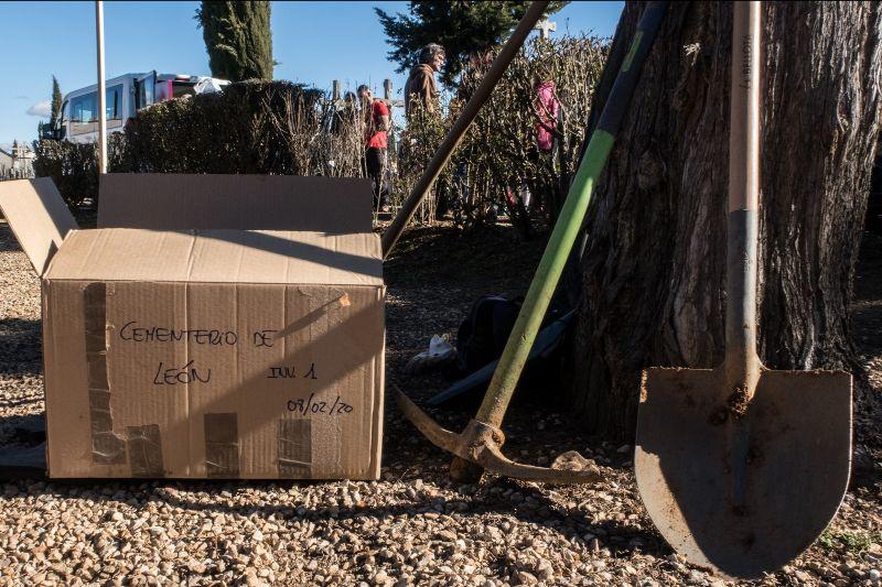 Exhumación Cementerio León