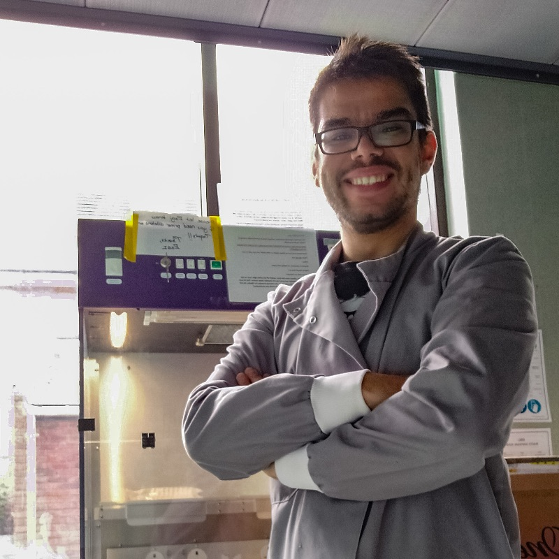 My name is Mario, and I'm an astrobiologist in search of martian life following the gaseous trails. I spend my time between London, Milton Keynes and Colchester. My aim is making science accessible to everyone, so bringing you what goes on in #EPSC2020 is a dream