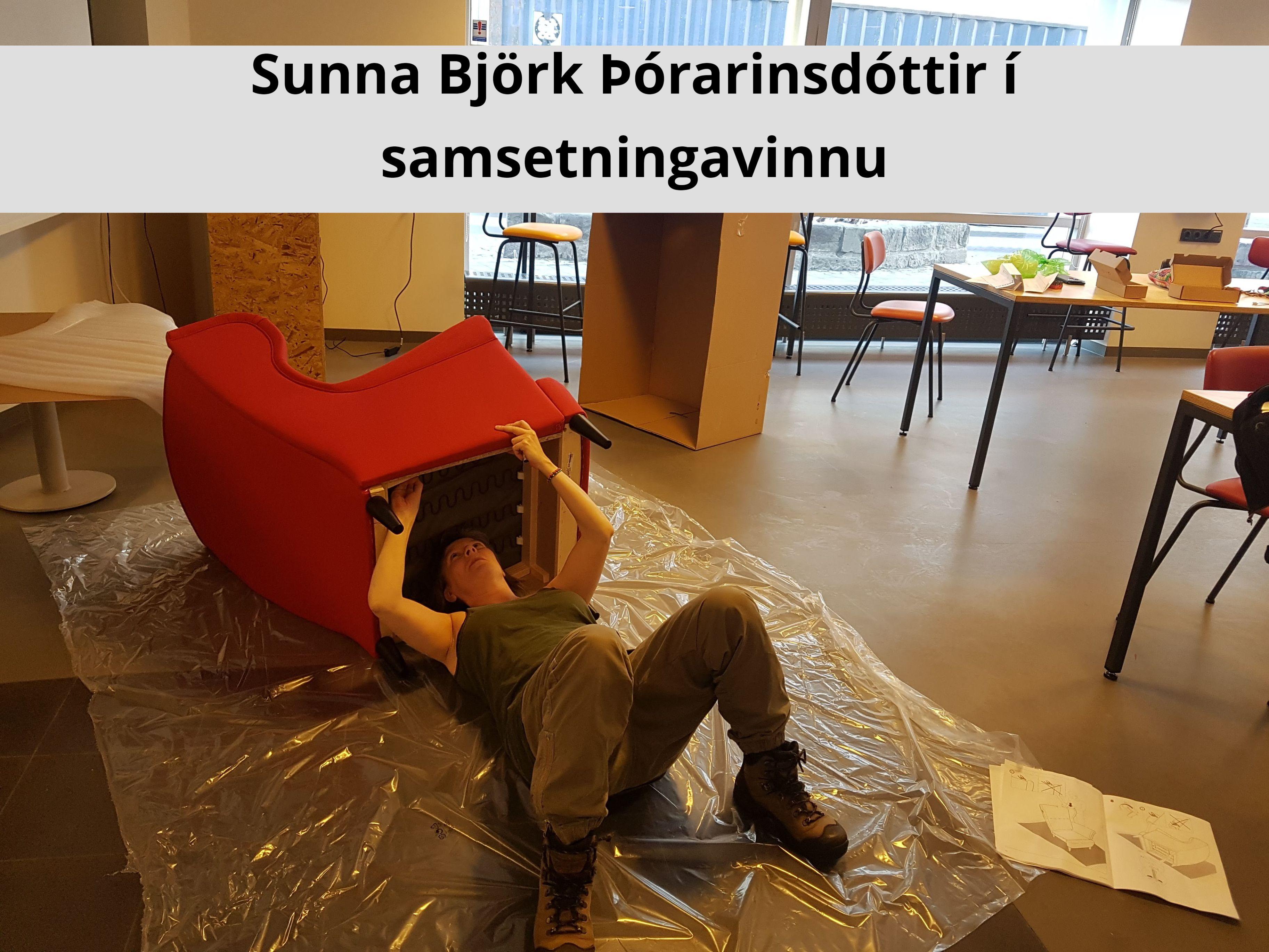 Sunna Björk Þórarinsdóttir í samsetningavinnu
