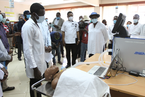 Kenyatta University (Kenya) unveils ventilators made by students: