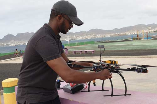 A computer scientist develops versatile drones for medical logistics amidst COVID-19 in Cape Verde