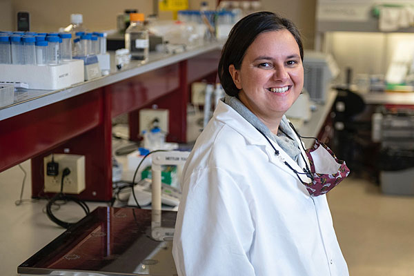 Image of Dr. Monica Serban in her lab