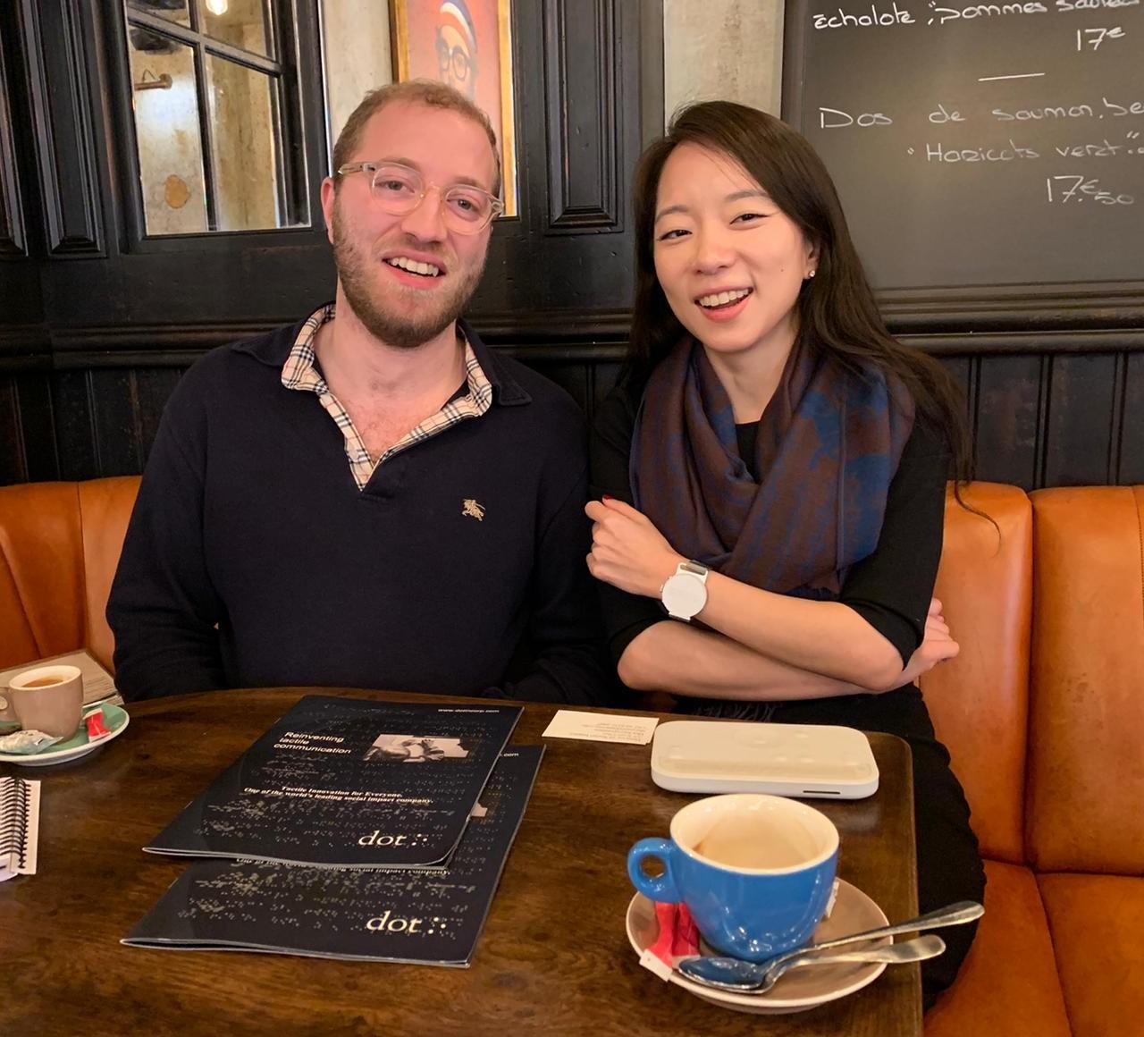 Photo dans un café de Ah-rum Choi de Dot Incorp et Samy du Comptoir des Solutions