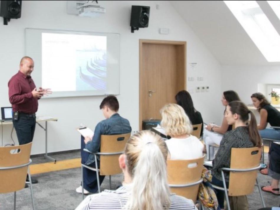 Fotografie z přednášky: Specifika ošetřovatelství v paliativní péči