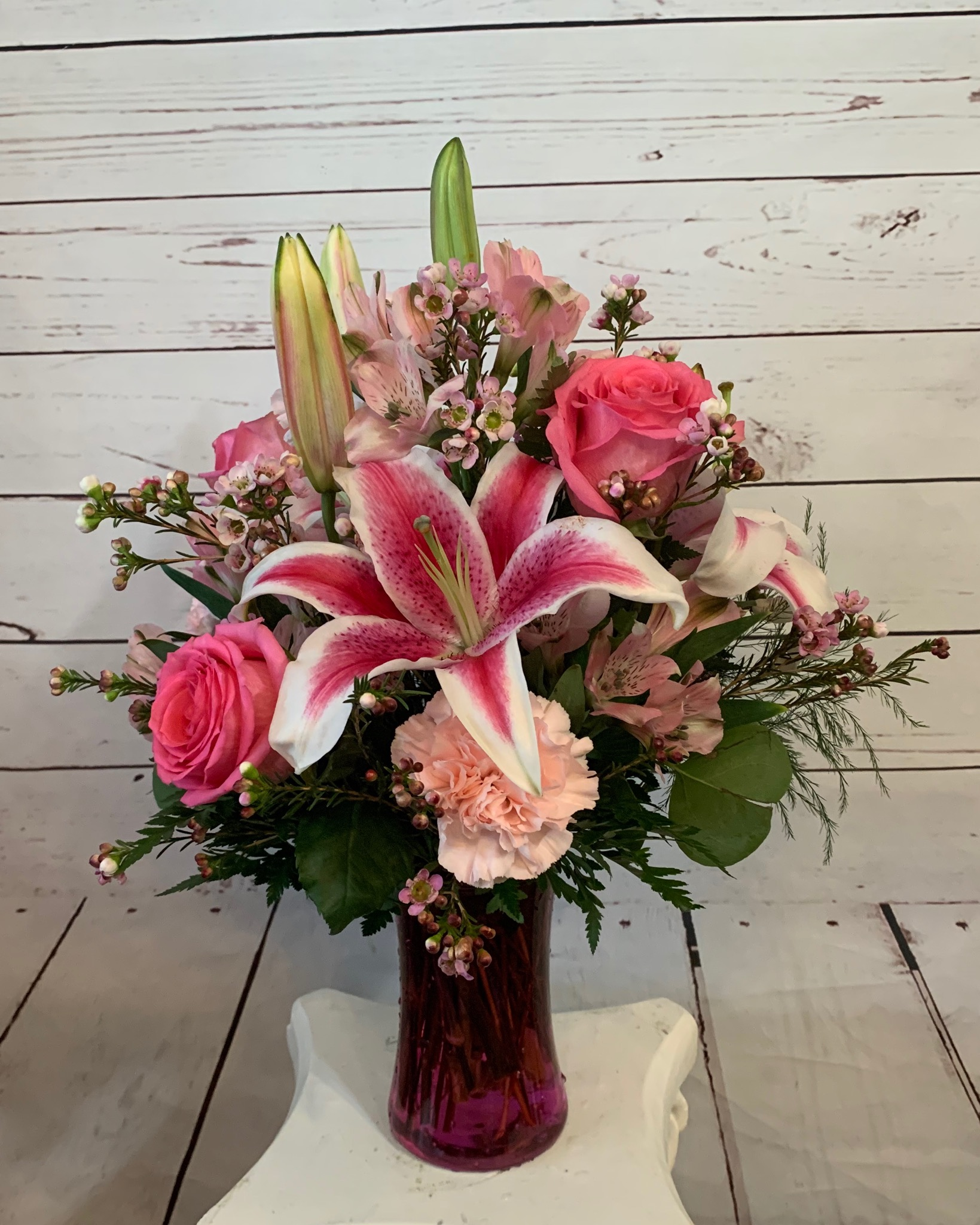 Brilliant Starburst Floral Design