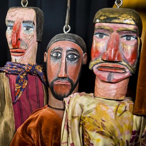 poppen van Wannes Van de Velde in Vleeshuis