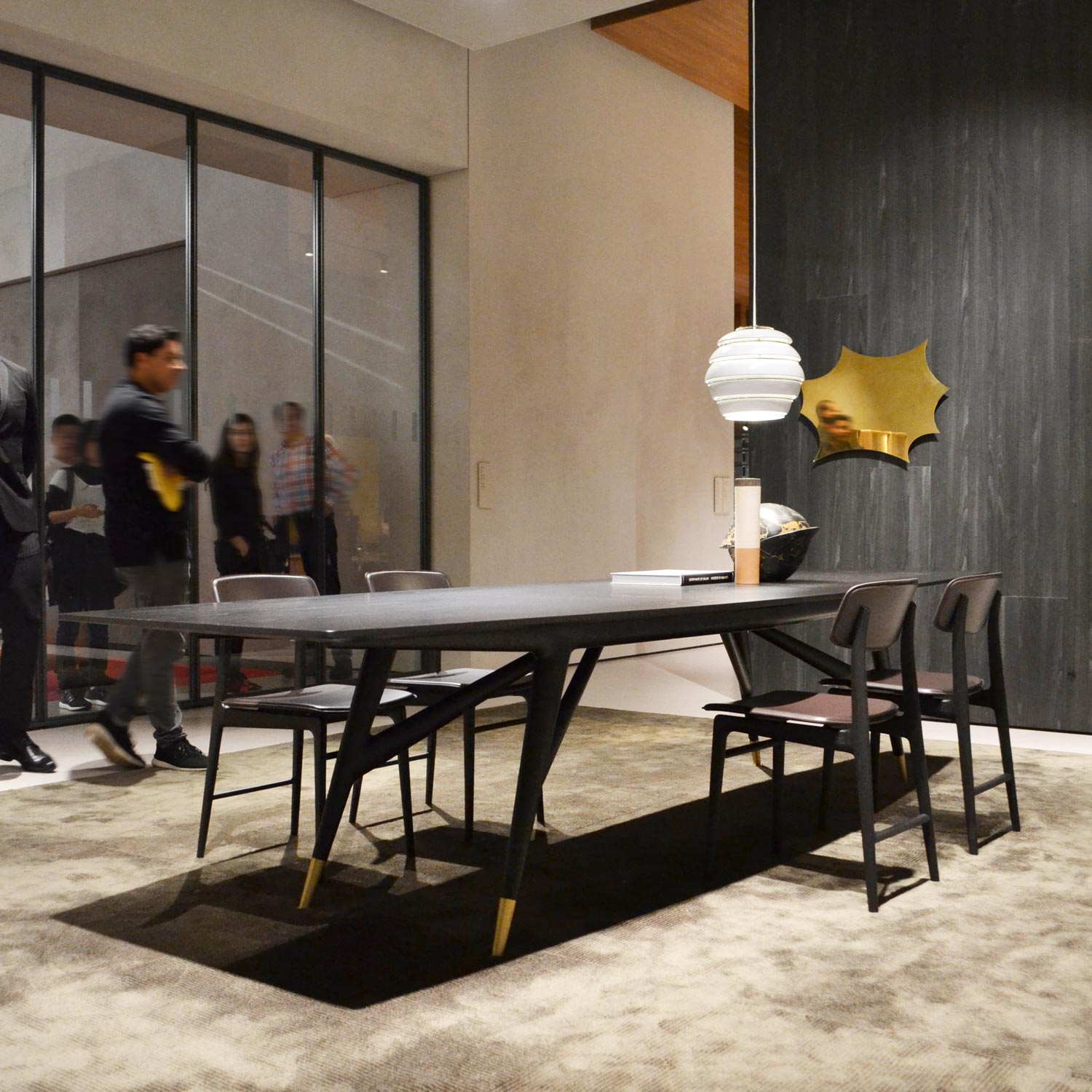 Casum Best Design 2018 Salone del Mobile Edition: table and chairs at Molteni booth